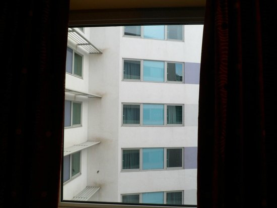 Jurys Inn Plymouth:                   In need of privacy curtains