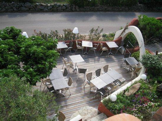 Le Roc e Fiori Hotel : La terrasse du bâtiment principal