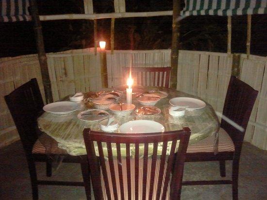 Estate Residency: candle light dinner
