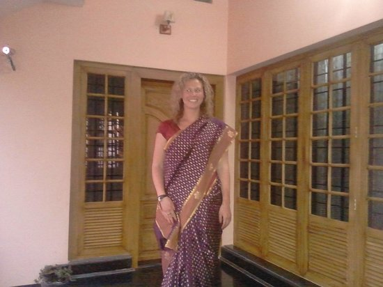 Estate Residency: the foreigner lady in the indian dress
