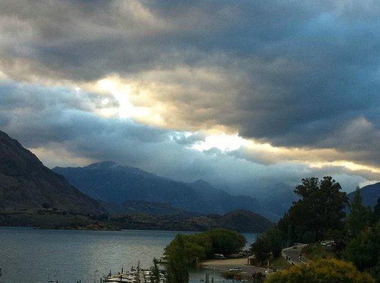Lakeshore Springs :                                     View of Wanaka Marina, 5 min walk