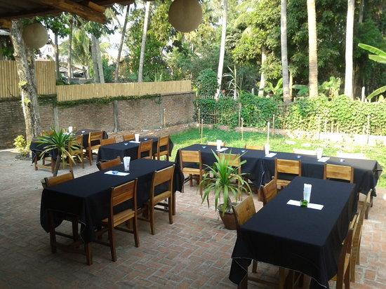 Pizza Phan Luang: The Yard