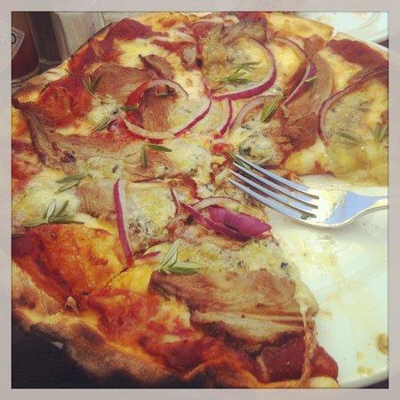 Waitiri Creek Wines Ltd:                   Roasted lamb, bleu cheese, red onion pizza