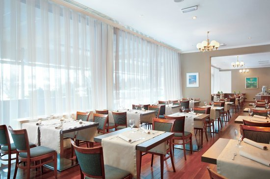 Panorama Zagreb Hotel: Šestine Restaurant