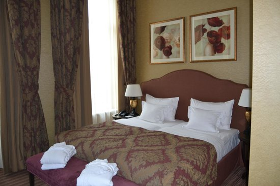Grand Hotel Casselbergh Bruges:                                     chambre deluxe