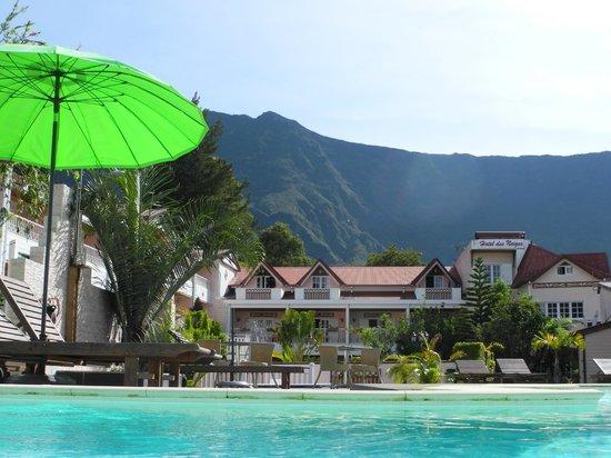 Hotel des Neiges :                                                       vue piscine