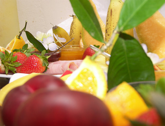 Swellendam Country Lodge: breakfast with a variety of fresh fruit