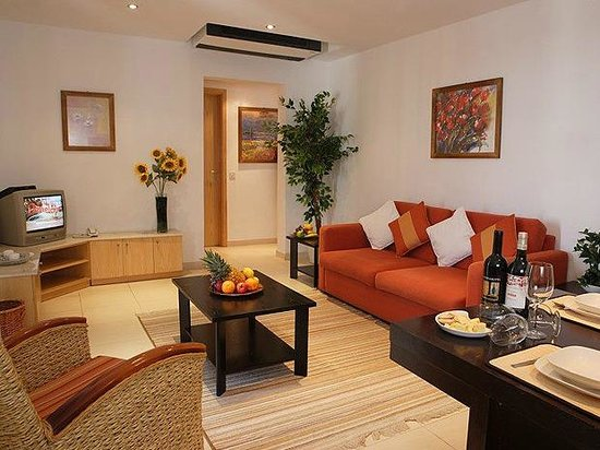 Club Salina Wharf: Superior Apartment 1 bedroom Lounge