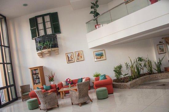 Club Salina Wharf: Lobby Area