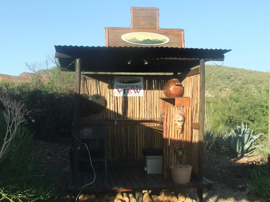Zwartberg View Mountain Retreat:                   Jann's BBQ/Braai area