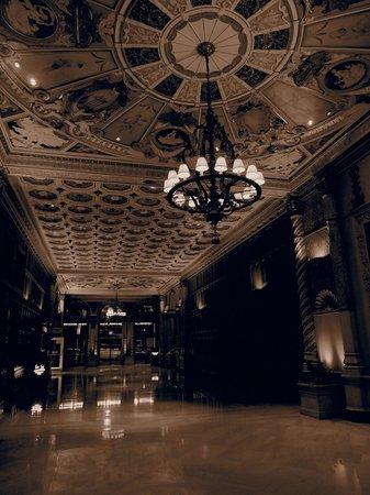 มิเล็นเนี่ยม บิลท์มอร์ โฮเต็ล ลอส แองเจลลิส:                   HOTEL