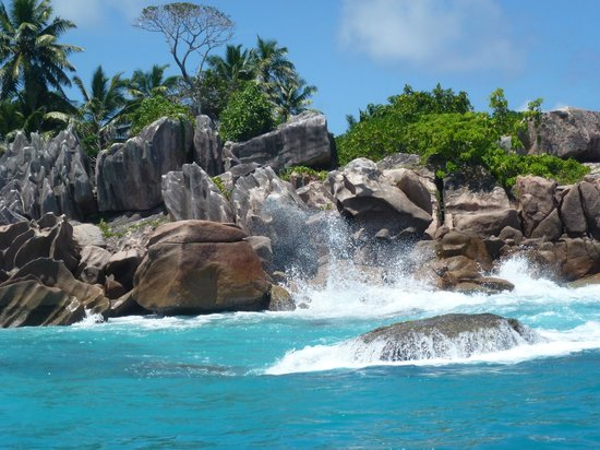 Indigo Seychelles Boat Charter and Excursions Day Tours:                   Ilot st pierre