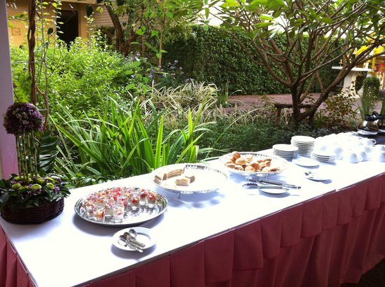 Feung Nakorn Balcony Rooms & Cafe: Breakfast
