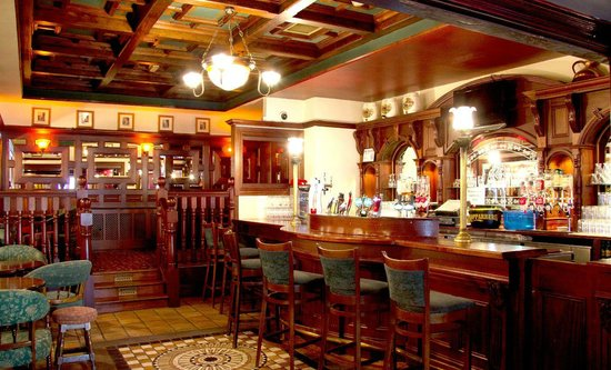 Newgrange Hotel: Club Bar