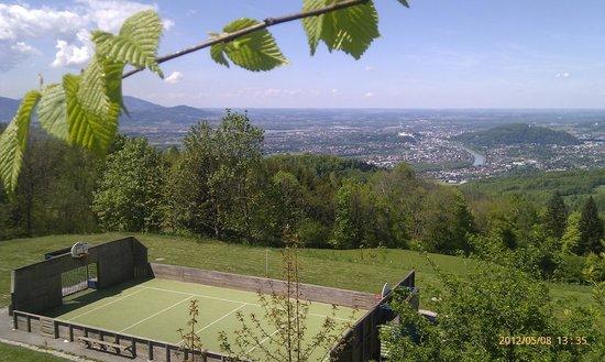 Gasthof-Pension Erentrudisalm:                   Ausblick auf die Stadt Salzburg
