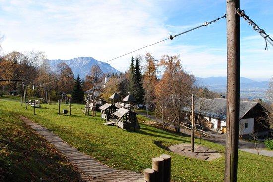 Gasthof-Pension Erentrudisalm:                   Abenteuerspielplatz