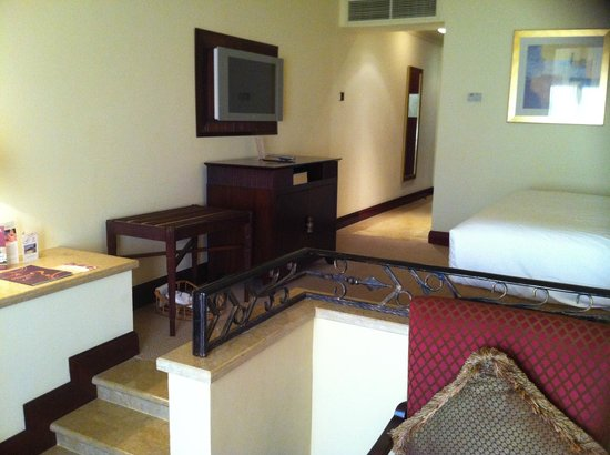 Sheraton Grand Doha Resort & Convention Hotel:                   Hotel Room