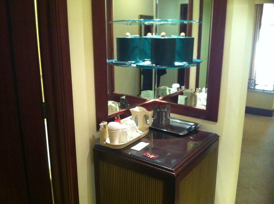 Sheraton Grand Doha Resort & Convention Hotel:                   Tea / Coffee Maker