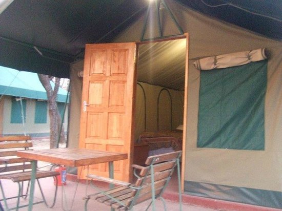 Golden Leopard Resort - Manyane:                   Safari tent
