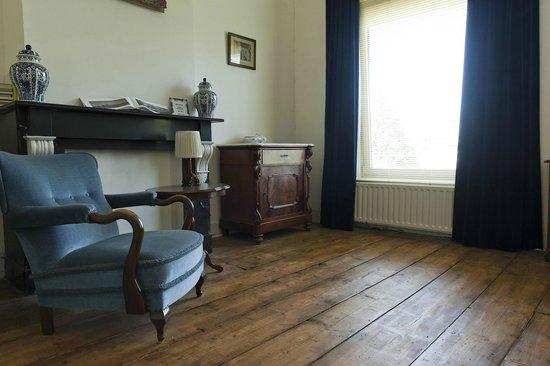 Anno 1867:                   Blauwe Kamer 2