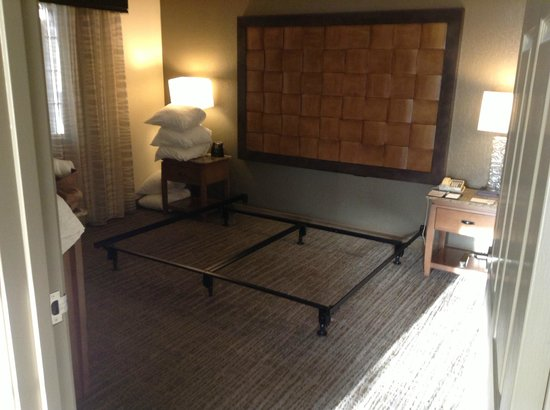 Embassy Suites by Hilton Mandalay Beach Resort :                   No bed in either of the 2 rooms we were assigned.