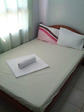 Sotera Mansion:                   bed