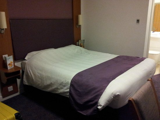 Premier Inn Coventry City Centre (Earlsdon Park) Hotel :                   Another view