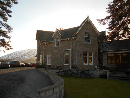 Braemar Lodge from the road