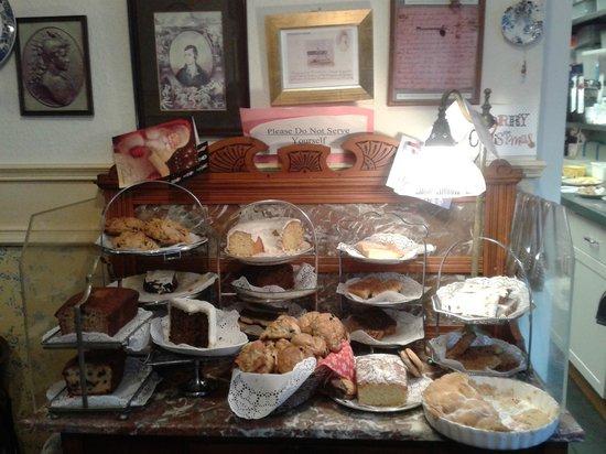 Clarinda's Tea Room:                   что захочешь - выбирай