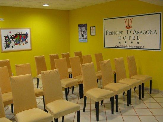 Hotel Principe d'Aragona : Sala Gialla  30 posti