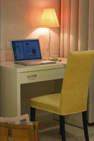 Hotel Principe d'Aragona : Scrivania Desk Manager in camera