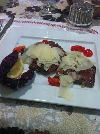 Alumix Cafe Ristorante Pizzeria:                   Tagliata di manzo con grana
