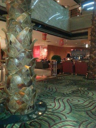 Renaissance Shanghai Yangtze Hotel:                   and again.