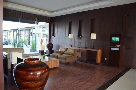 Grand Setiabudi Hotel:                   Hotel Lobby