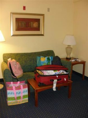 SpringHill Suites Orlando North/Sanford:                   seperate sitting area