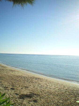 New Barcavela Hotel:                   spiaggia vicino al new barcavela
