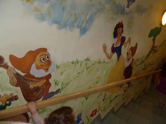 Pitzis Kinderhotel:                   Escalier