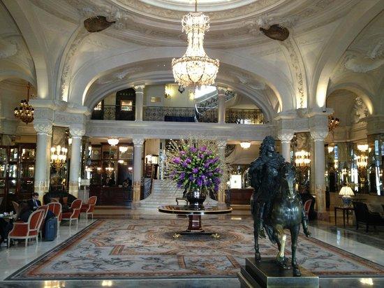 Hotel De Paris:                   Foyer