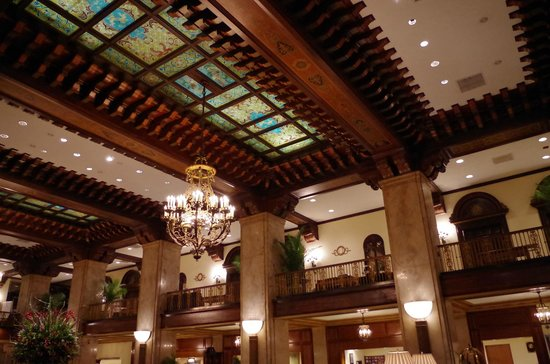 The Peabody Memphis:                   Peabody Memphis Lobby Ceiling