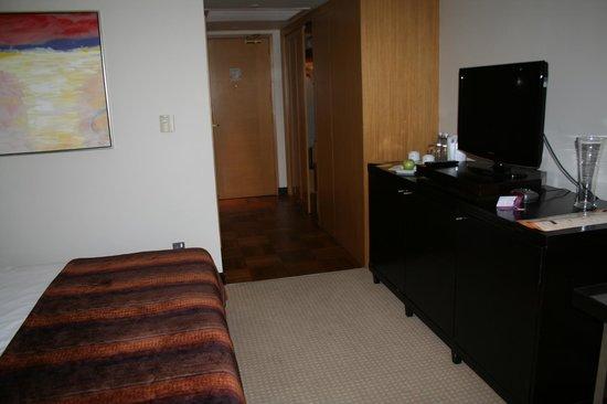โรงแรมชินนามอน แกรนด์ โคลัมโบ:                   room 339