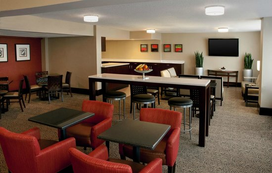Sheraton Imperial Hotel and Convention Center: Club Lounge