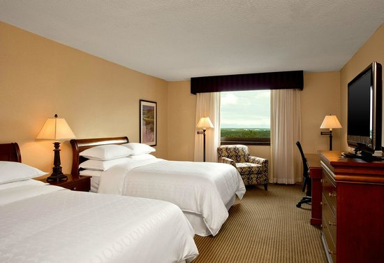Sheraton Imperial Hotel and Convention Center: Double Guestroom
