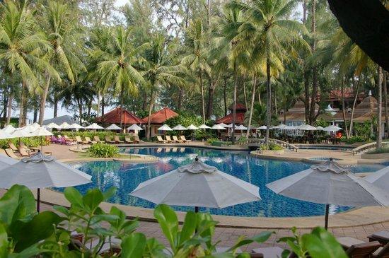 Dusit Thani Laguna Phuket:                   una hermosa piscina