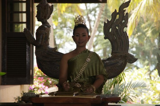 Dusit Thani Laguna Phuket:                   musica tailandesa