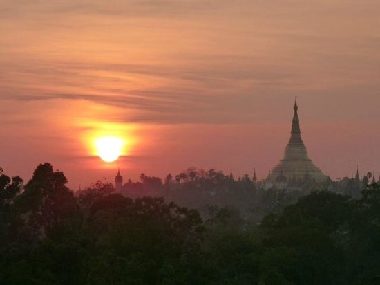 Chatrium Hotel Royal Lake Yangon:                   Sunset first evening from room.