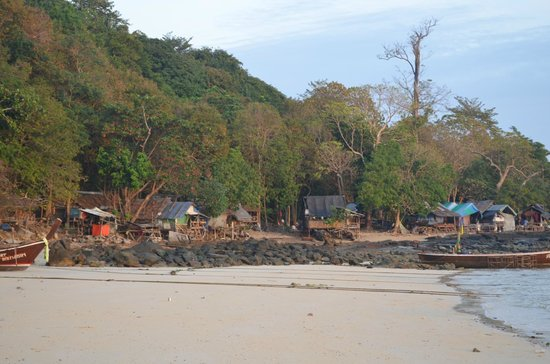 Phi Phi Power Beach Resort:                                     the shanty town on the right