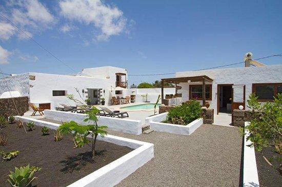 Tiagua 81: The entrance