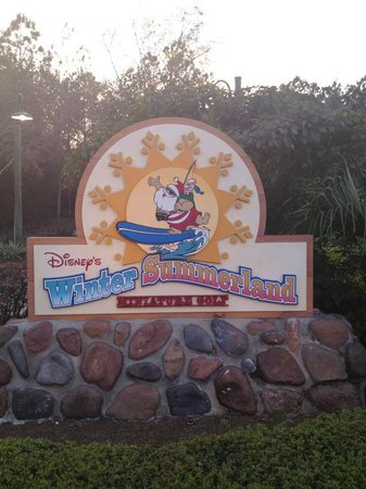 Disney's Winter Summerland Miniature Golf Course:                   Choose your course!