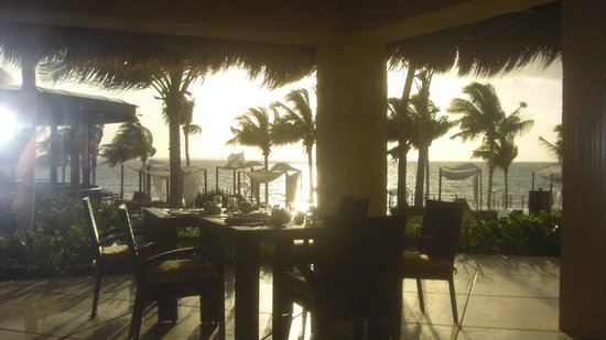 Villa del Palmar Cancun Beach Resort & Spa:                                     Morning looking out from Davino's