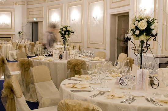 InterContinental Bucharest: Rapsodia Ballroom Wedding